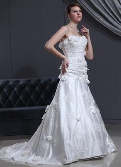 Corte A/Princesa Escote corazón La capilla de tren Tul Charmeuse Vestido de novia con Encaje Bordado Flores
