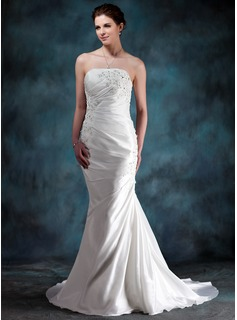 Trumpet/Mermaid Strapless Court Train Taffeta Wedding Dress With Ruffle Beading Appliques Lace