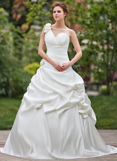 Corte de baile Un sólo hombro Tren de la catedral Satén Vestido de novia con Volantes Flores