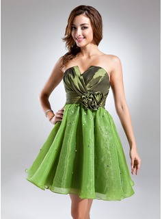 A-Line/Princess Scalloped Neck Knee-Length Taffeta Organza Cocktail Dress With Ruffle Beading Flower(s) (016015589)