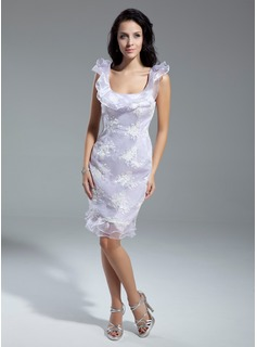 Sheath Scoop Neck Knee-Length Organza Cocktail Dress With Lace (016014928)