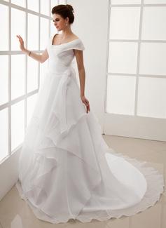 Corte A/Princesa Hombros caídos Cola capilla Organdí Vestido de novia con Volantes