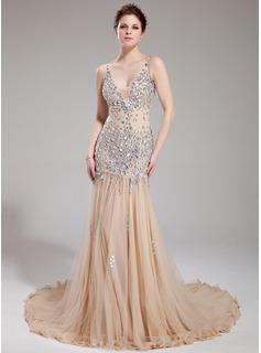 A-Line/Princess V-neck Chapel Train Tulle Prom Dress With Beading