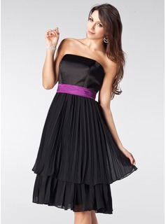 A-Line/Princess Strapless Knee-Length Chiffon Satin Bridesmaid Dress With Sash Bow(s) Pleated
