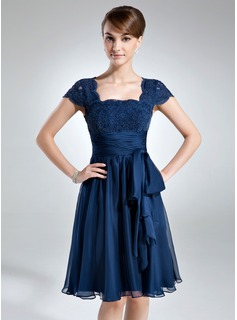 A-Line/Princess Strapless Knee-Length Chiffon Lace Mother of the Bride Dress With Ruffle (008006166)
