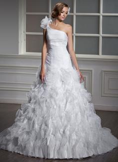 Corte de baile Un sólo hombro Cola capilla Organdí Vestido de novia con Flores Cascada de volantes