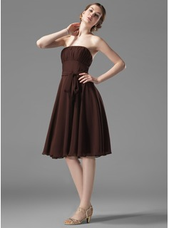 A-Line/Princess Strapless Knee-Length Chiffon Bridesmaid Dress With Ruffle (007004110)