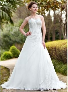 A-Line/Princess Sweetheart Chapel Train Chiffon Lace Wedding Dress With Ruffle Beadwork (002000139)