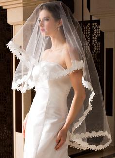 Einschichtig Fingerspitze Braut Schleier mit Spitze Saum