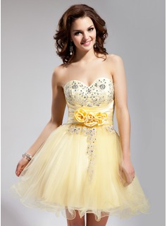 A-Line/Princess Sweetheart Short/Mini Tulle Charmeuse Homecoming Dress With Embroidered Ruffle Beading Flower(s) Sequins