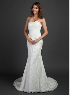 Trumpet/Mermaid Sweetheart Court Train Lace Wedding Dress With Ruffle Beading