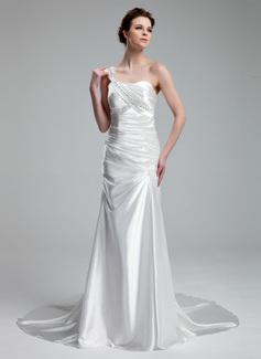 Corte A/Princesa Un sólo hombro Tren de la corte Charmeuse Vestido de novia con Volantes Bordado