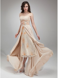 A-Line/Princess Strapless Asymmetrical Chiffon Lace Prom Dress With Ruffle Beading