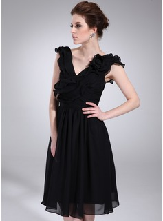 A-Line/Princess V-neck Knee-Length Chiffon Cocktail Dress With Ruffle Flower(s) (016021159)