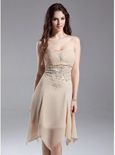 Empire Strapless Knee-Length Chiffon Homecoming Dress With Ruffle Lace Beading (022015644)