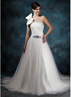 Corte de baile Un sólo hombro Cola capilla Satén Tul Vestido de novia con Volantes Bordado Lazo(s)