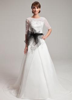 Forme Princesse Col rond Traîne chappelle Organza Robe de mariée avec Dentelle Ceintures Emperler