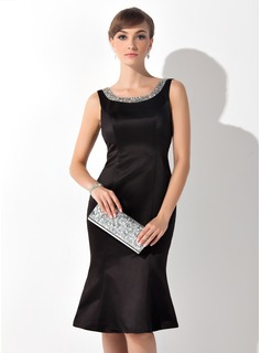 Sheath Scoop Neck Knee-Length Satin Mother of the Bride Dress With Beading (008015138)