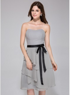 A-Line/Princess Sweetheart Knee-Length Chiffon Bridesmaid Dress With Ruffle Sash