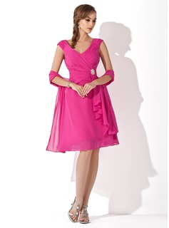 A-Line/Princess V-neck Knee-Length Chiffon Mother of the Bride Dress With Ruffle Crystal Brooch (008006079)