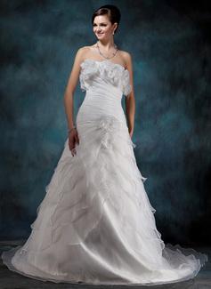 Corte A/Princesa Estrapless La capilla de tren Organdí Satén Vestido de novia con Bordado Flores Cascada de volantes