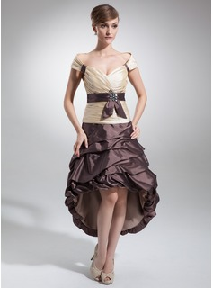 A-Line/Princess Off-the-Shoulder Asymmetrical Taffeta Homecoming Dress With Ruffle Sash Beading