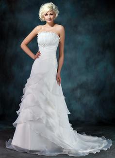 Corte A/Princesa Escote ondulado Tren de la corte Organdí Vestido de novia con Volantes Bordado