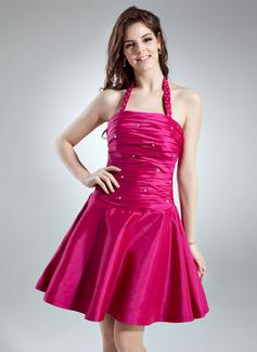 A-Line/Princess Halter Short/Mini Taffeta Homecoming Dress With Ruffle Beading