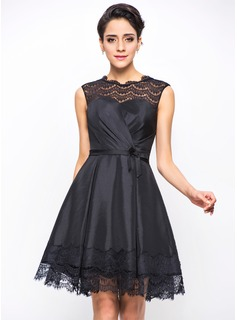 A-Line/Princess Scoop Neck Short/Mini Taffeta Cocktail Dress With Ruffle Bow(s)