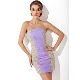 Sheath/Column Strapless Short/Mini Organza Homecoming Dress With Ruffle Appliques Lace