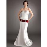 Forme Princesse Bustier en coeur alayage/Pinceau train Charmeuse Robe de mariée avec Plissé Ceintures Emperler Sequins