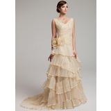 A-Linie/Princess-Linie V-Ausschnitt Sweep/Pinsel zug Organza Brautkleid mit Spitze Perlen verziert Blumen Gestufte Rüschen Gefaltet