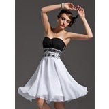 A-Line/Princess Sweetheart Knee-Length Chiffon Cocktail Dress With Ruffle Beading Sequins
