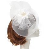 Charme Fil net/Feather Chapeaux de type fascinator