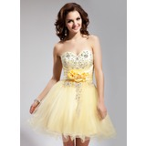 A-Line/Princess Sweetheart Short/Mini Tulle Homecoming Dress With Embroidered Ruffle Beading Flower(s) Sequins