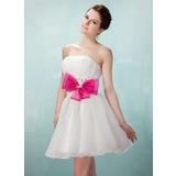 A-Line/Princess Sweetheart Short/Mini Organza Homecoming Dress With Ruffle Sash Beading Bow(s)
