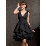 A-Line/Princess V-neck Knee-Length Chiffon Lace Cocktail Dress With Ruffle Lace Beading Feather