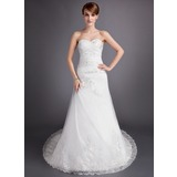 A-Line/Princess Sweetheart Chapel Train Tulle Wedding Dress With Ruffle Beading Appliques Lace