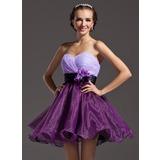 A-Line/Princess Sweetheart Short/Mini Organza Homecoming Dress With Ruffle Sash Flower(s)