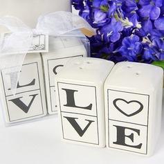 """""""Kjærlighet"""" Keramikk Salt & Pepper Shakere (Sett av 2 stk)"""