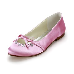 Satin Flat Heel Closed Toe Flats Wedding Shoes With Bowknot Rhinestone (047025057)