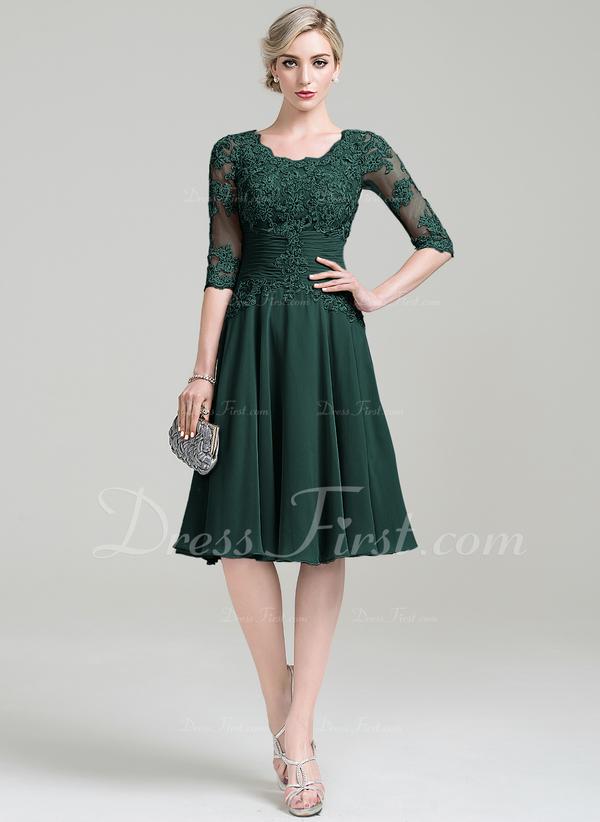 cd5eed41022a1 [€ 153.26] A-Linie U-Ausschnitt Knielang Chiffon Kleid für die Brautmutter  mit Rüschen Applikationen Spitze - JJsHouse