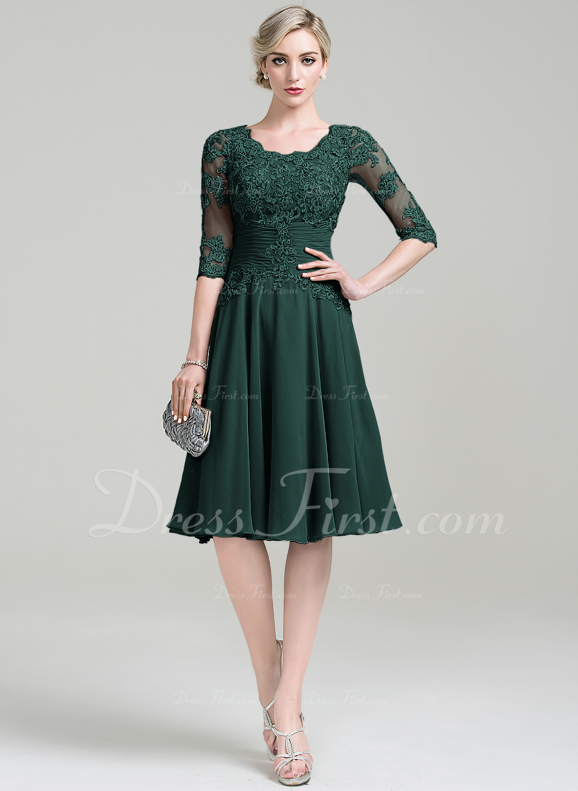 995845d2e7d5 A-Line Princess Scoop Neck Knee-Length Chiffon Mother of the Bride Dress  With Ruffle Appliques Lace  85301