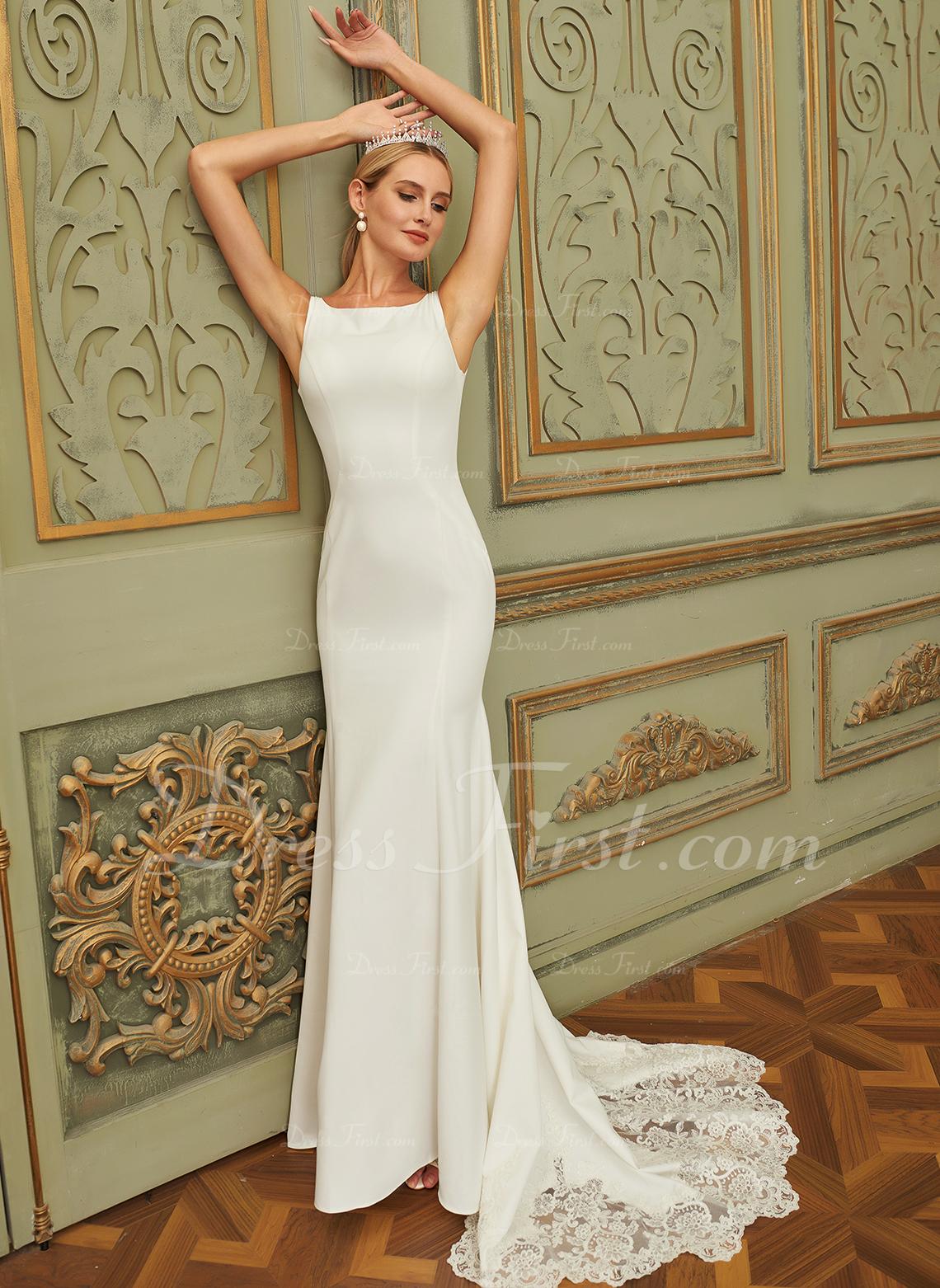 Trumpet/Mermaid Court Train Chiffon Lace Wedding Dress With Lace