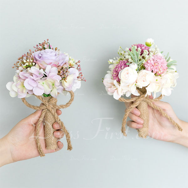 Blooming Round Cloth/Emulational Berries Bridesmaid Bouquets -