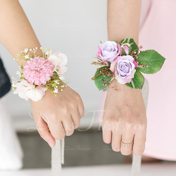 Blooming Cloth/Emulational Berries Wrist Corsage -
