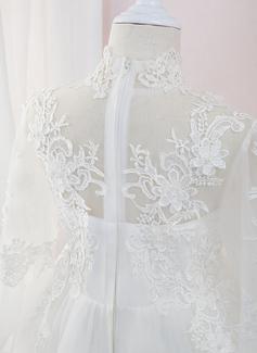 A-Line Asymmetrisk Blomsterpigekjoler - Tyl/Blonder Lange ærmer høj hals med Perlebesat