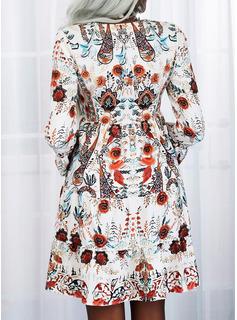 Blomster Print Skiftekjoler Flare-ærmer Lange ærmer Mini Casual Ferie Tunika Mode kjoler