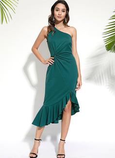 Knielänge Eine Schulter Polyester Rüschen/Einfarbig/Schlitz Ärmellos Modekleider