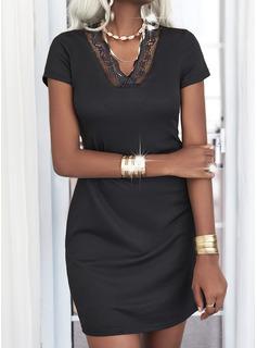 Dentelle Couleur Unie Fourreau Manches Courtes Mini Petites Robes Noires Décontractée Robes tendance